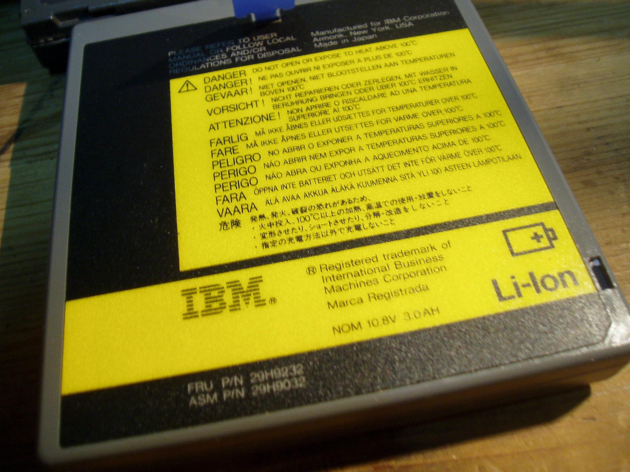 低价卖旧笔记本电脑配件电池和网卡和屏
