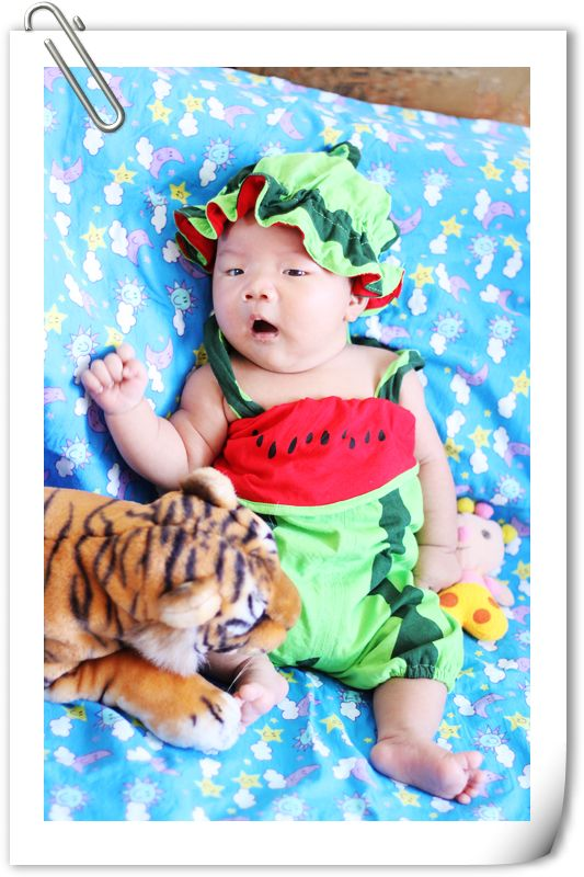 外国婴儿满月艺术照婴儿 艺术照国外满月宝宝艺术照